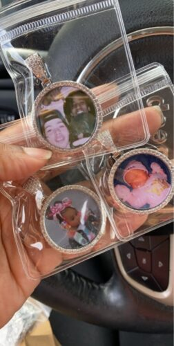 SMALL CUSTOM CIRCULAR PHOTO PENDANT photo review